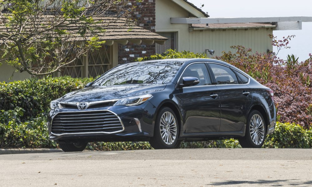 2017-2018 Toyota Avalon Limited 06