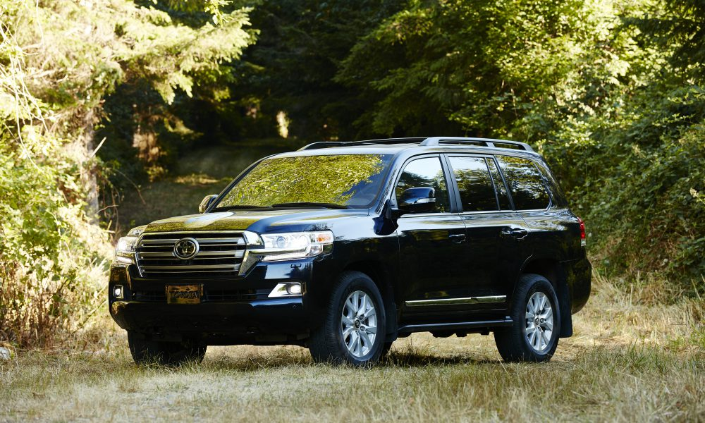 2018 Toyota Land Cruiser, a Global SUV Legend With Elegance