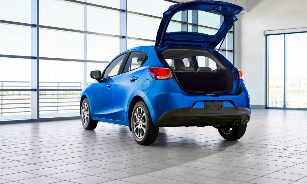 2020 Yaris Hatchback 004