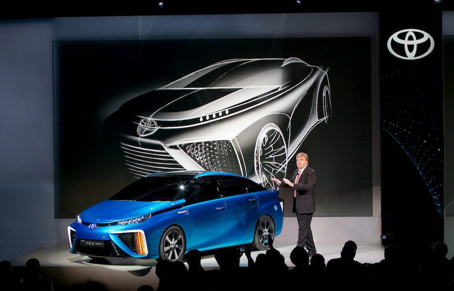 2014 Consumer Electronics Show (CES) – Toyota Fuel Cell Concept (FCV) Debut