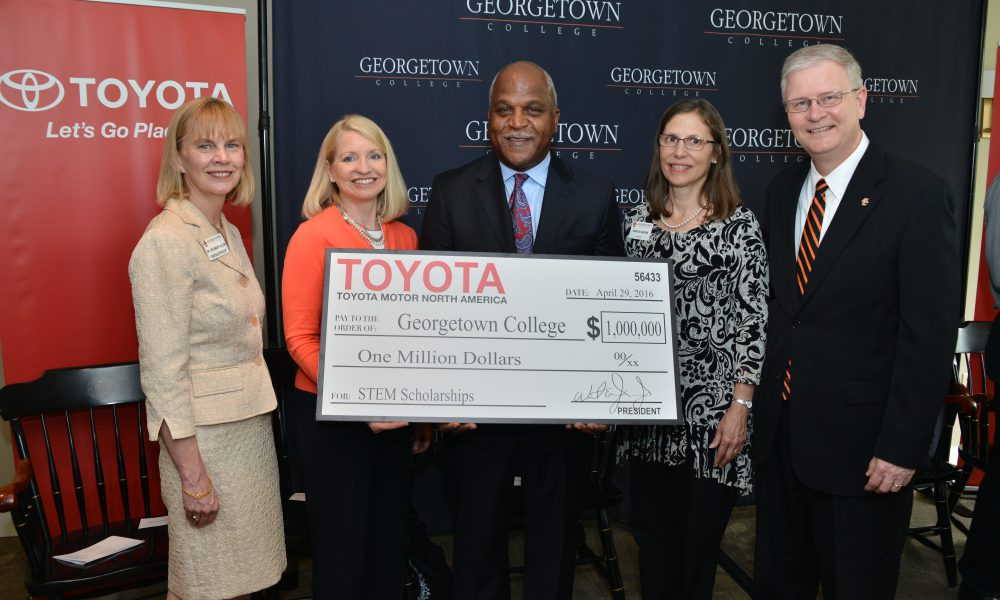 Toyota Says Thanks a Million to Future STEM Scholars