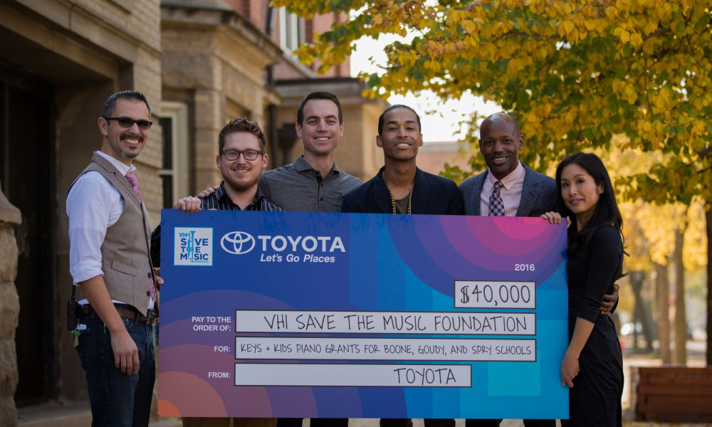 2016 Toyota/VH1 Save The Music – Grant Presentation to Chicago Area Schools 02