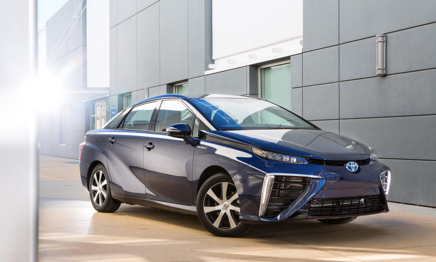 Best of What's New for 2014? The Toyota Fuel Cell Vehicle