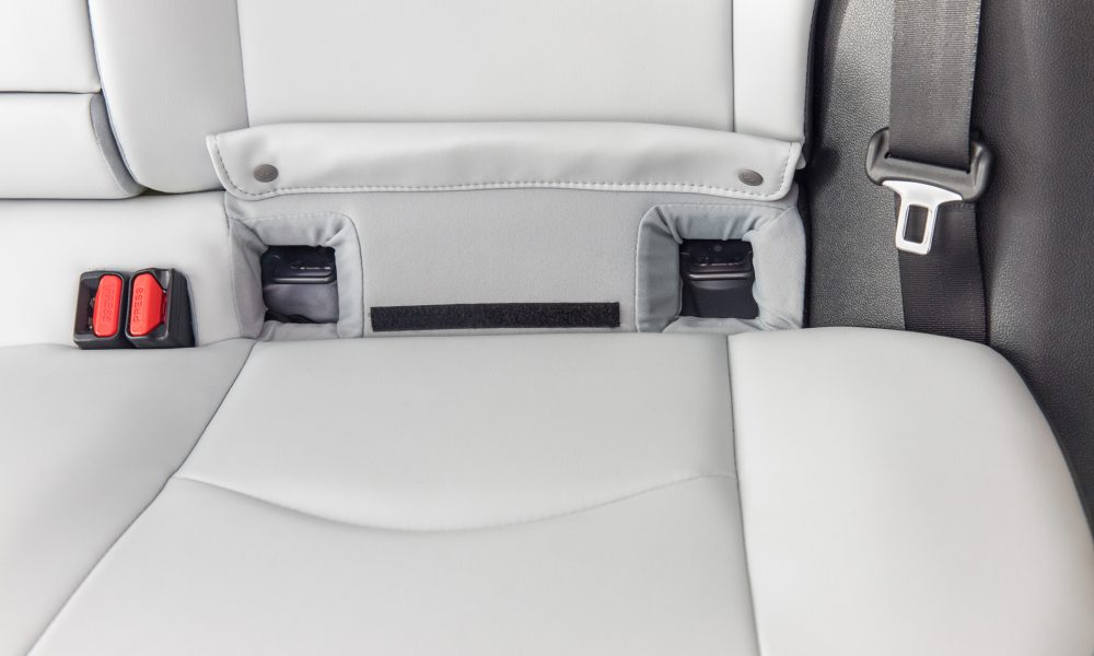 LATCH lower anchors in the 2016 Toyota Prius 01