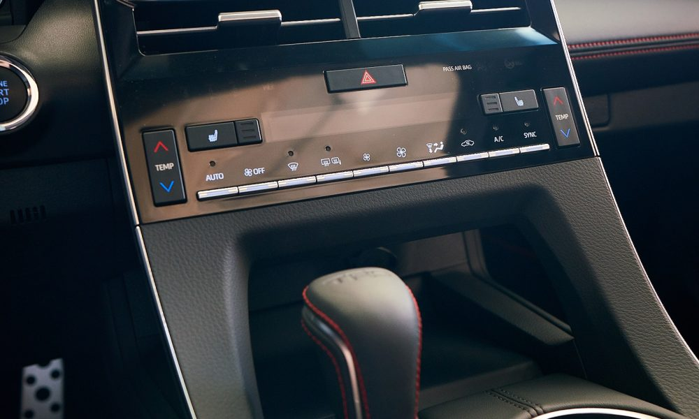 2020 Avalon TRD_Interior_002