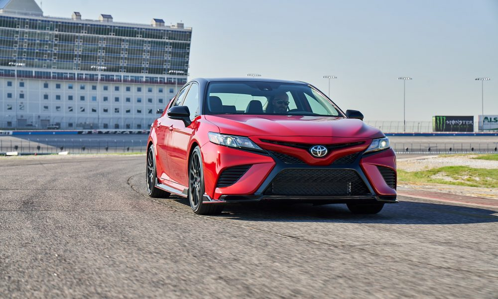 2020 Camry TRD_SupersonicRed_MidnightRoof_001