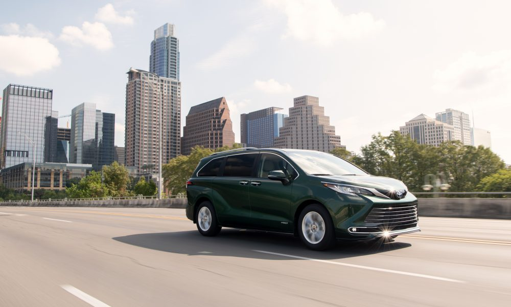 2021_Sienna_Limited_AWD__Cypress Green_001