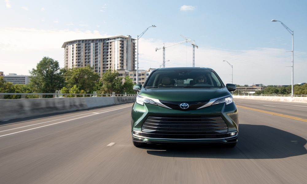 2021_Sienna_Limited_AWD__Cypress Green_005