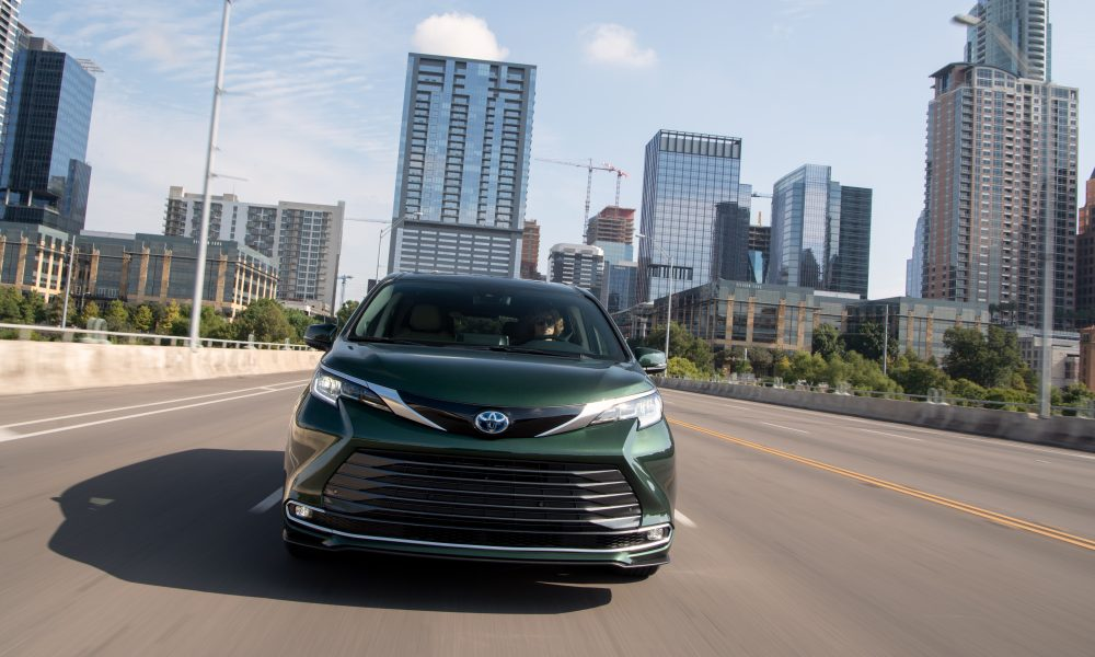 2021_Sienna_Limited_AWD__Cypress Green_007
