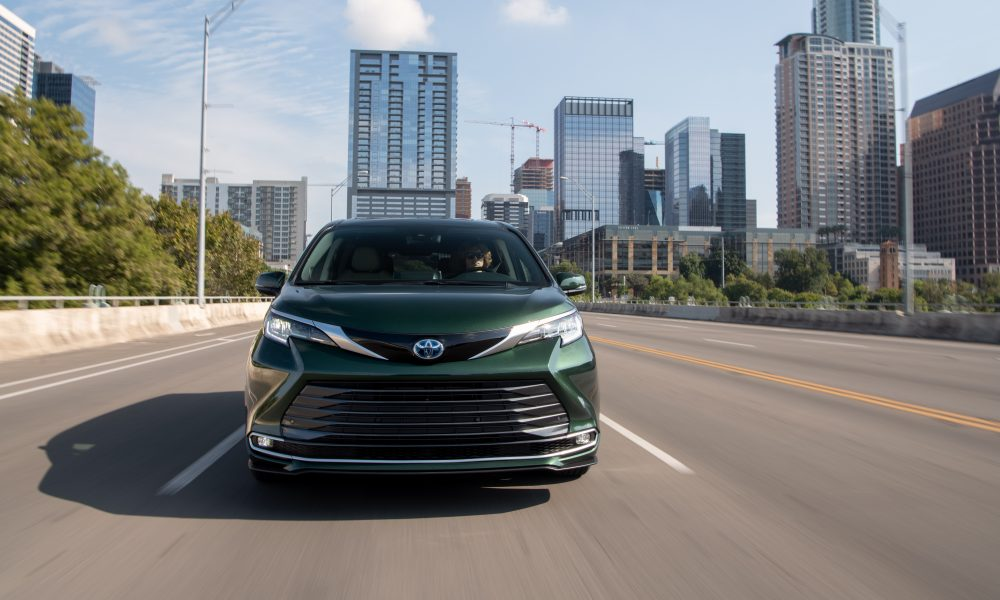 2021_Sienna_Limited_AWD__Cypress Green_008
