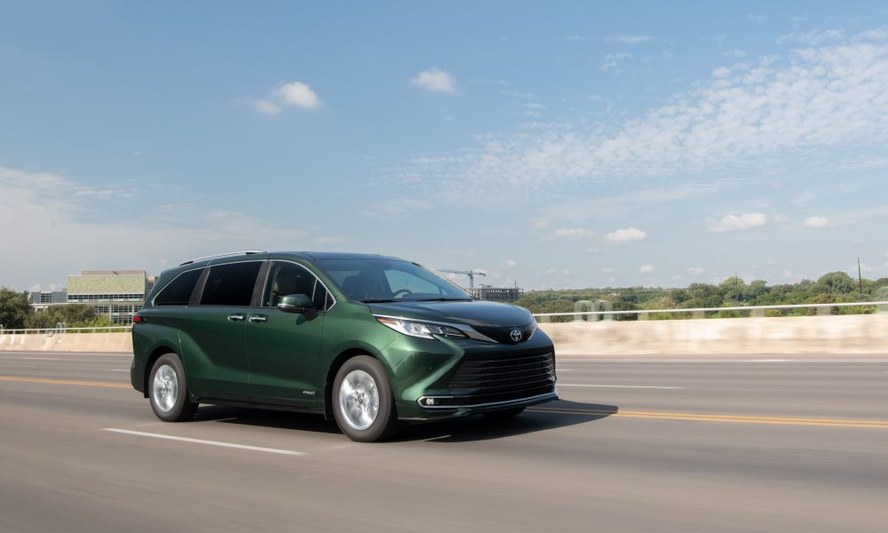 2021_Sienna_Limited_AWD__Cypress Green_011