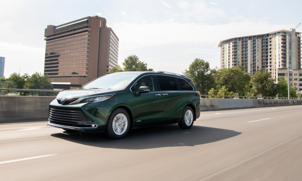 2021_Sienna_Limited_AWD__Cypress Green_012