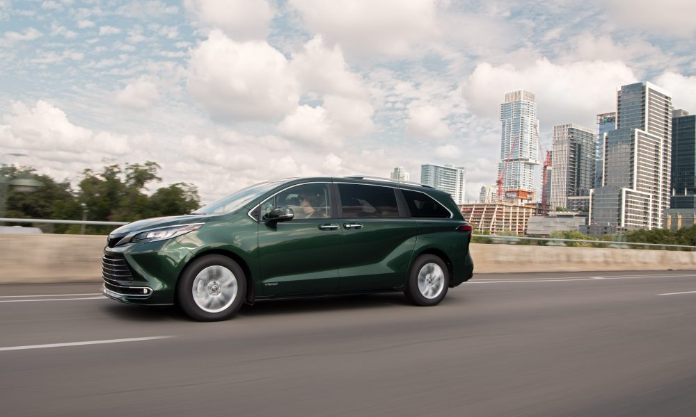 2021_Sienna_Limited_AWD__Cypress Green_013