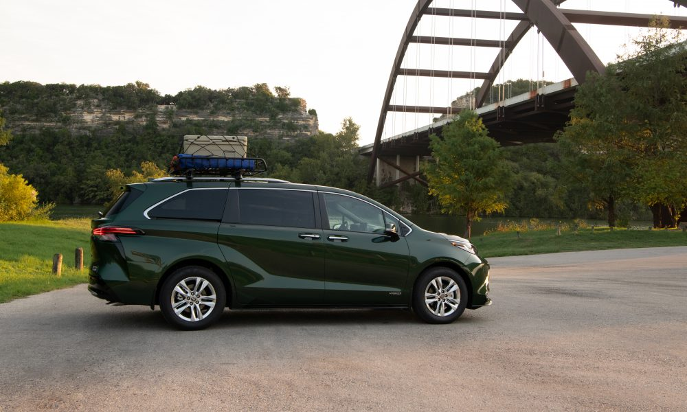 2021_Sienna_Limited_AWD__Cypress Green_016