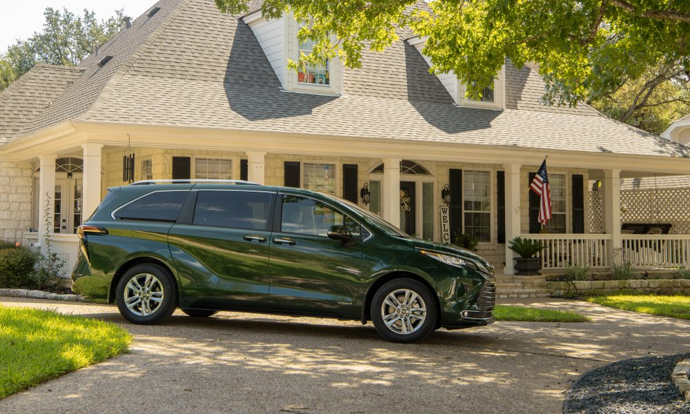 2021_Sienna_Limited_AWD__Cypress Green_025