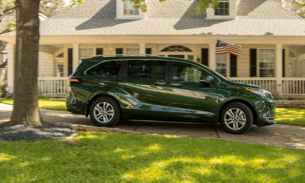 2021_Sienna_Limited_AWD__Cypress Green_027