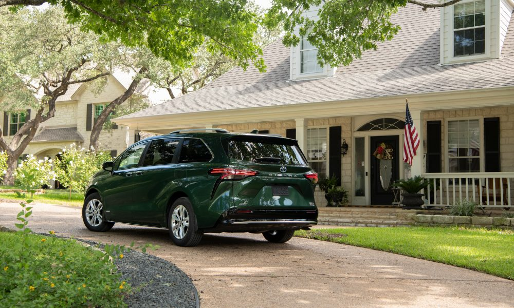 2021_Sienna_Limited_AWD__Cypress Green_029