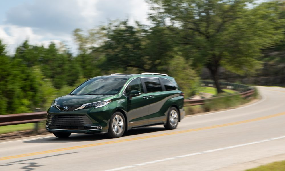 2021_Sienna_Limited_AWD__Cypress Green_034
