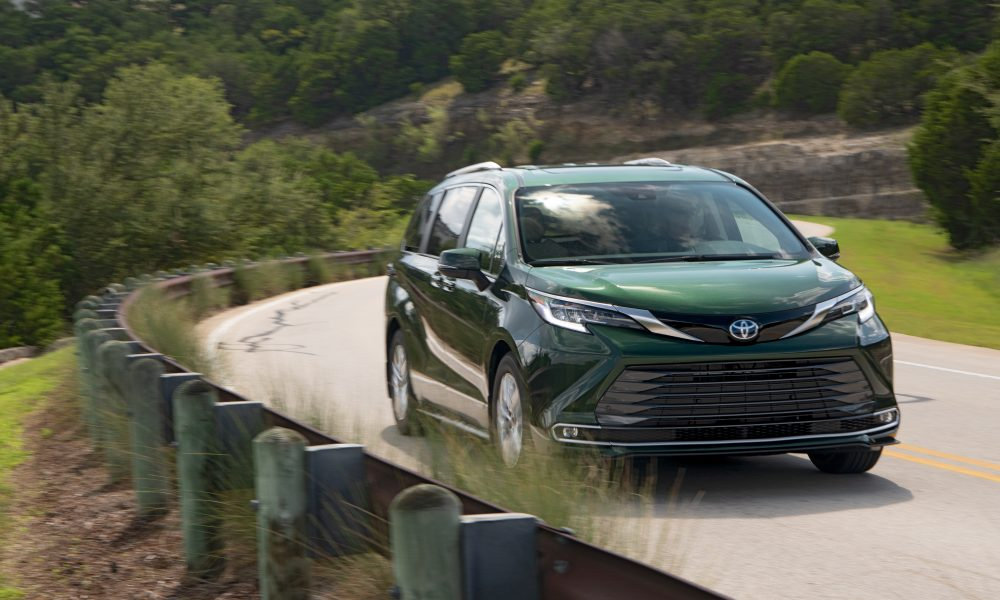 2021_Sienna_Limited_AWD__Cypress Green_035