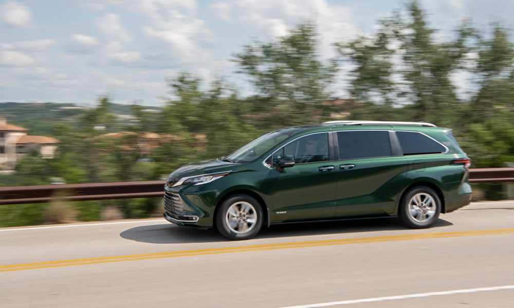 2021_Sienna_Limited_AWD__Cypress Green_036
