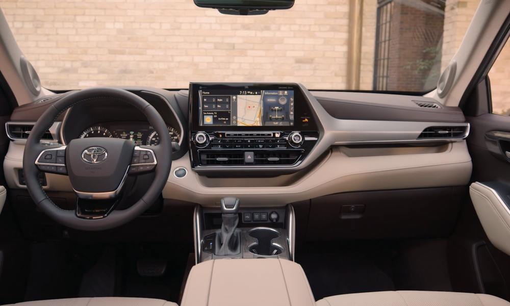2021 Highlander_Platinum_AWD_HarvestBeige_Interior_B_ROLL