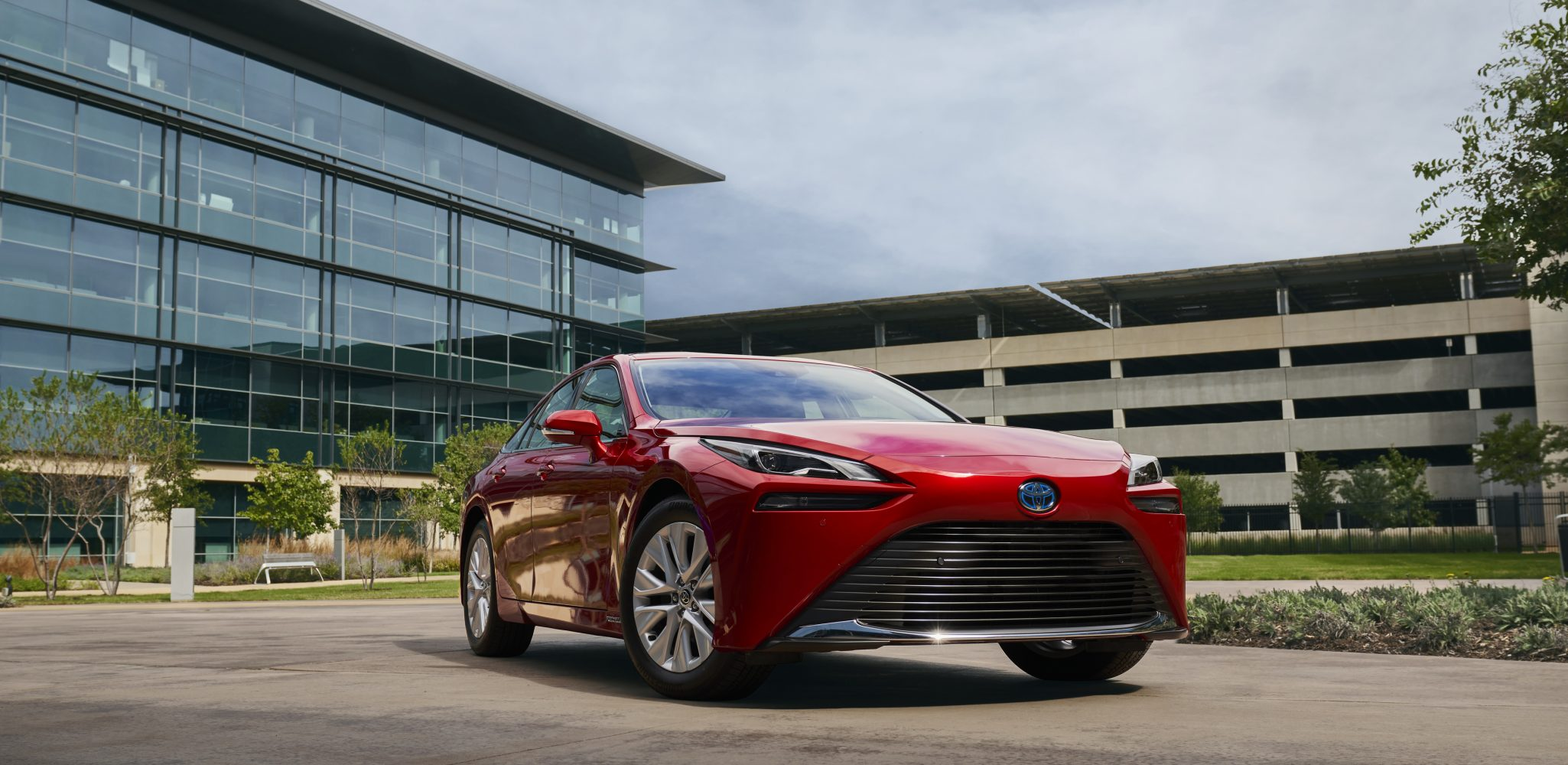 2021 Toyota Mirai Hits Dealerships in December with Cutting Edge Technology, Enhanced Safety and Multiple Grades