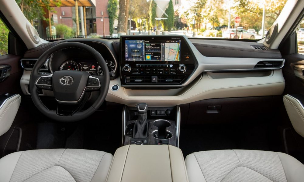 2021_Toyota_Highlander_Platinum_AWD_Moon-Dust_026