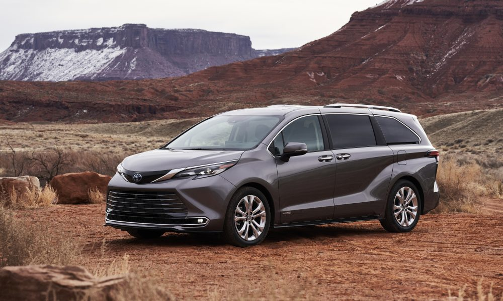 Toyota Indiana Kicks Off 25th Anniversary Year at 2021 Sienna Celebration