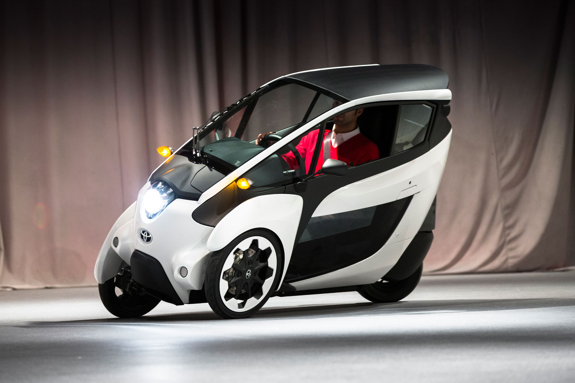 Future Of Mobility The Toyota IRoad Concept Vehicle Makes Canadian - Toyota show car