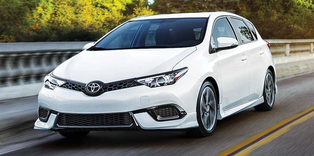2017 Toyota Corolla iM in Blizzard White