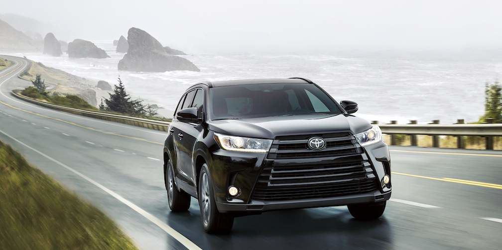Toyota Highlander in Midnight Black Metallic - Available 7 Seater SUV