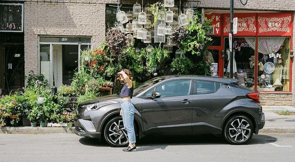Abeille Gélinas in front of the Toyota C-HR