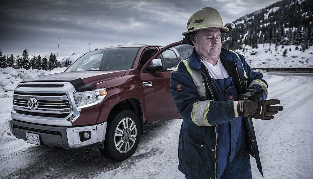 Highway Thru Hell Jamie Davis next to Toyota Tundra