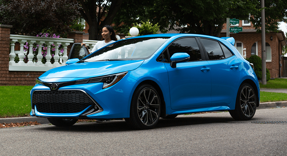 2019 Toyota Corolla Hatchback XSE in Blue Flame