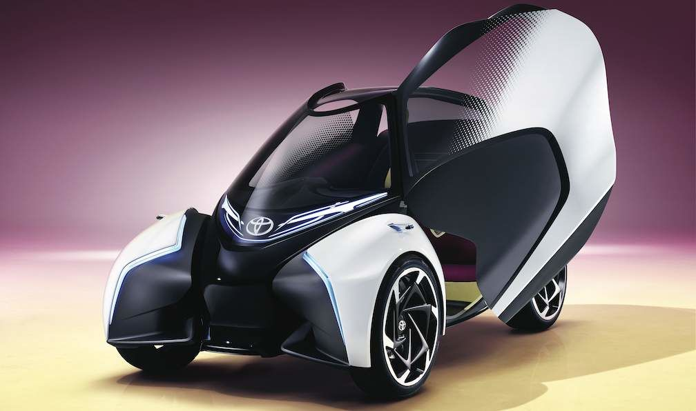 Toyota i-TRIL Concept Butterfly Door