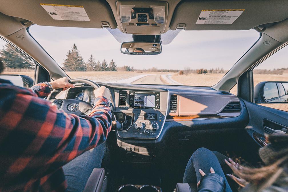 Comparer la fourgonnette Toyota Sienna AWD à l'Odyssey