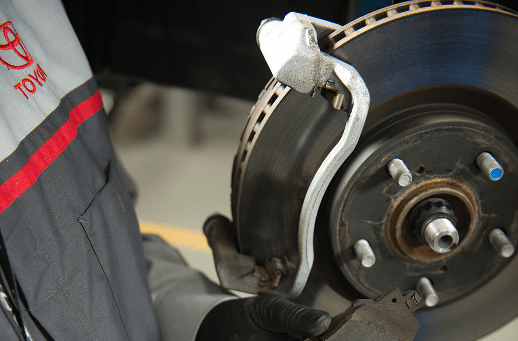 5 Warning Signs That Are Telling You To Get Your Brakes Checked