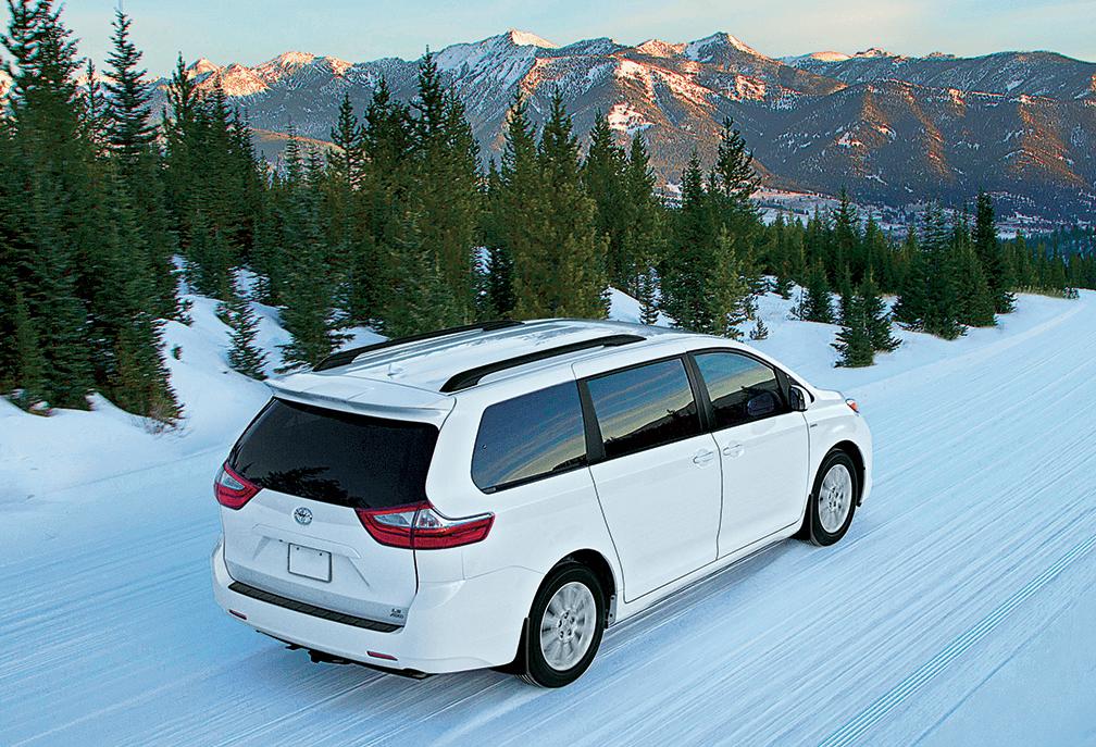 2019 Toyota Sienna in Alpine White