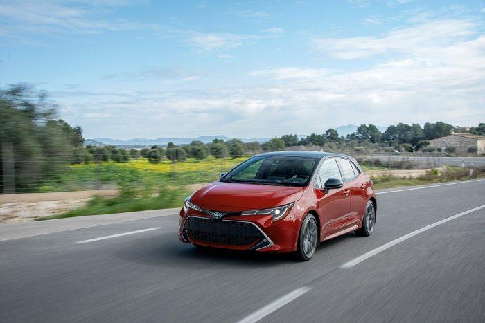 Toyota Corolla Hatchback XSE Direct Shift-CVT