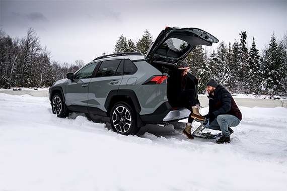 7 Reasons to Switch to Winter Tires at 7 Degrees