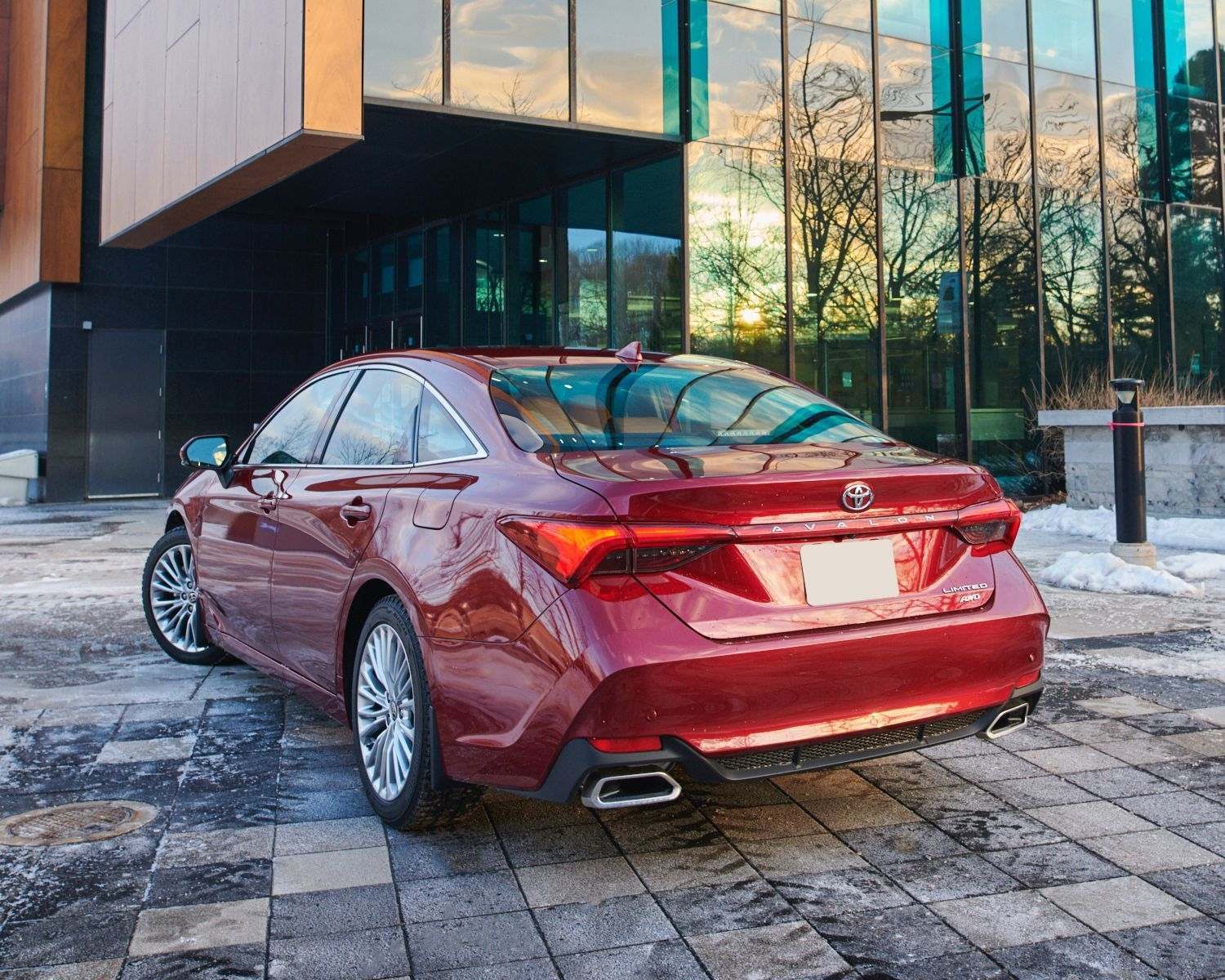 Avalon Limited AWD showin in Ruby Flare Pearl