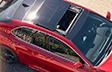 Toit panoramique de la Camry XSE montrée en Rouge supersonique