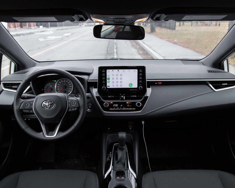 Corolla Hatchback CVT Groupe Nightshade tableau de bord