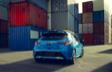 Corolla Hatchback XSE montrée en Bleu flamme