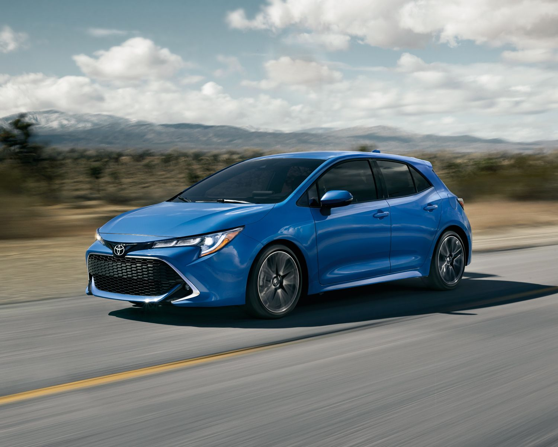 Corolla Hatchback XSE couleur Bleu flamme