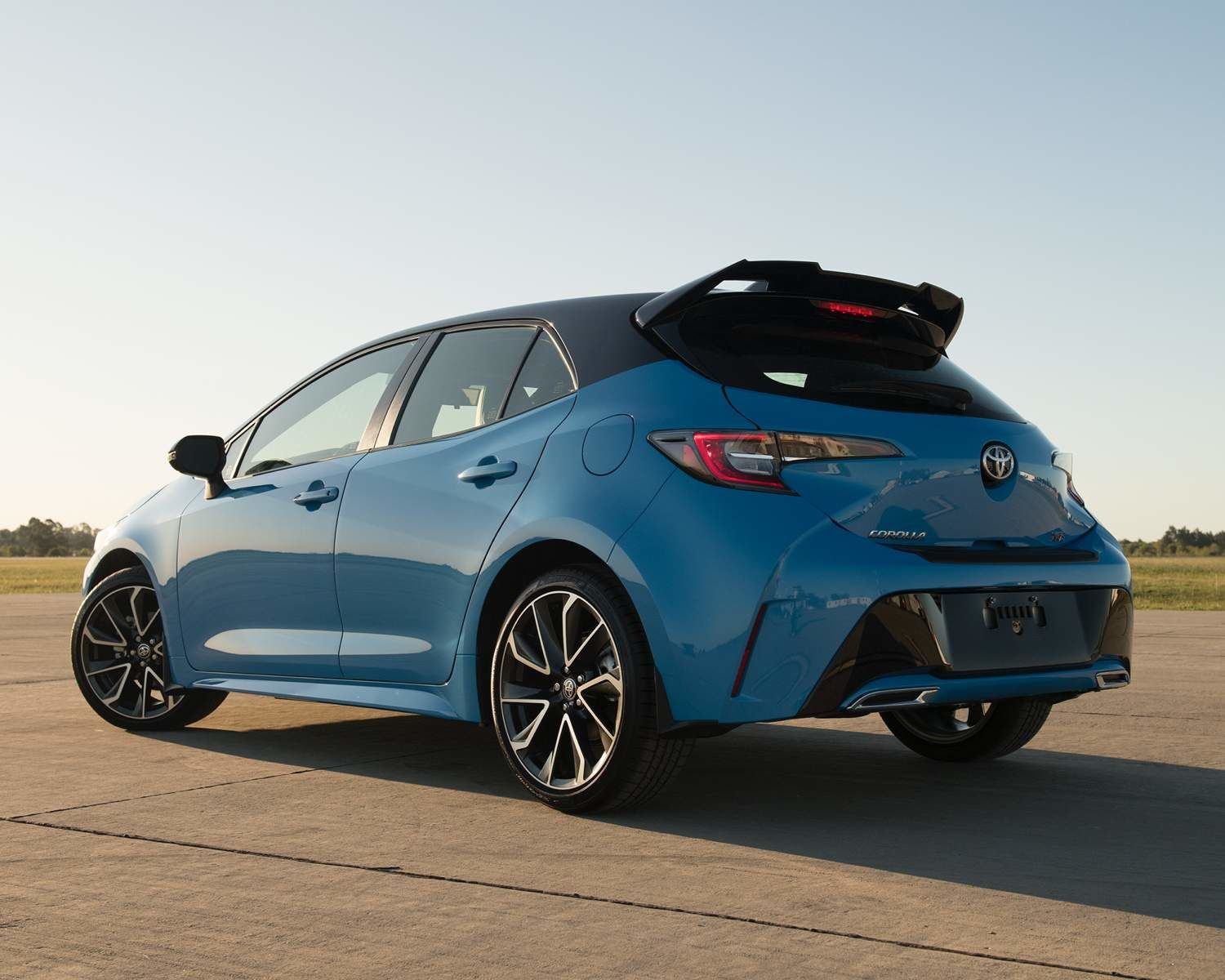 Corolla Hatchback XSE shown in Blue Flame with Black Roof