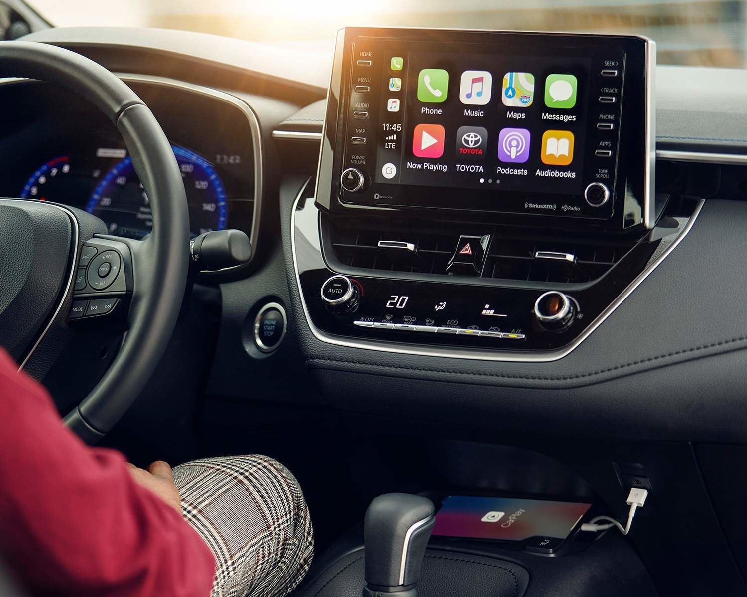 Apple CarPlay<sup>TM</sup>