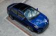Corolle hybride montrée en Bleu héliographique