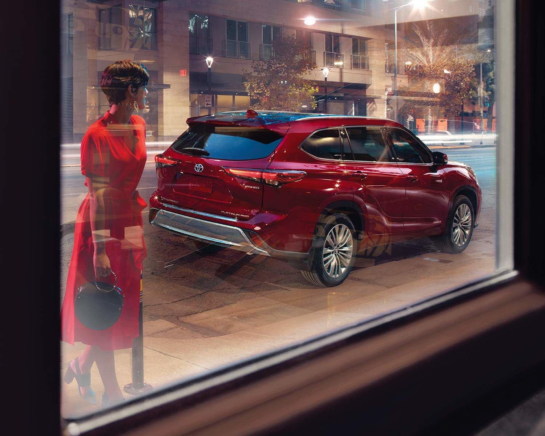 Highlander hybride Platinum AWD couleur en Rouge rubis nacré