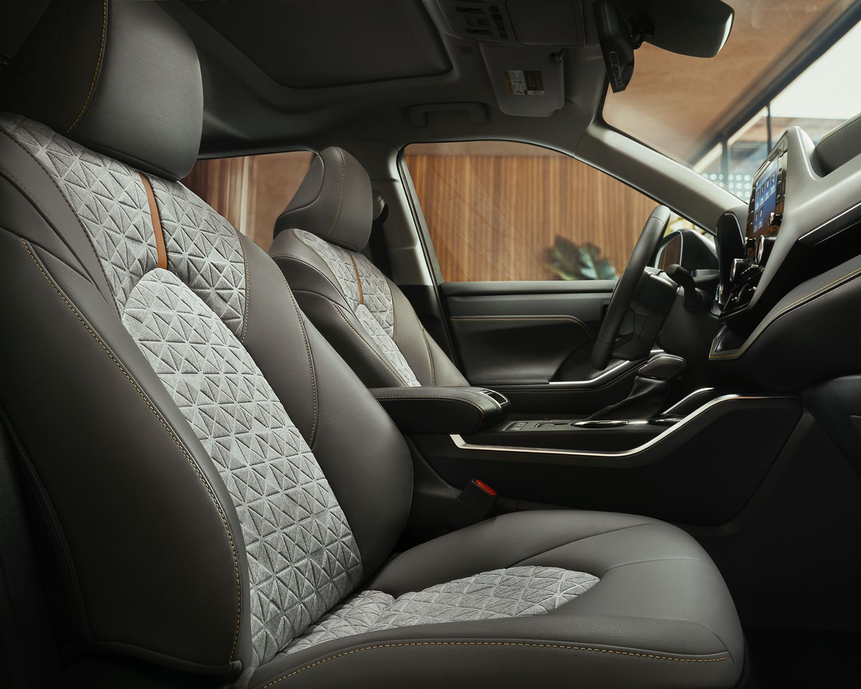 Highlander Hybrid Bronze Edition Interior passenger seat and cabin